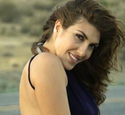 Ana Victoria  1