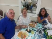 Miguel y Lillian Reyes con su hija Beba Reyes