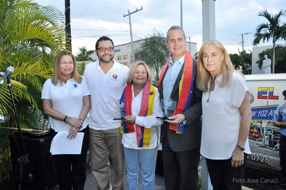 congresitas Ileana Ros-Lehtinen y Mario Diaz-Balart 9