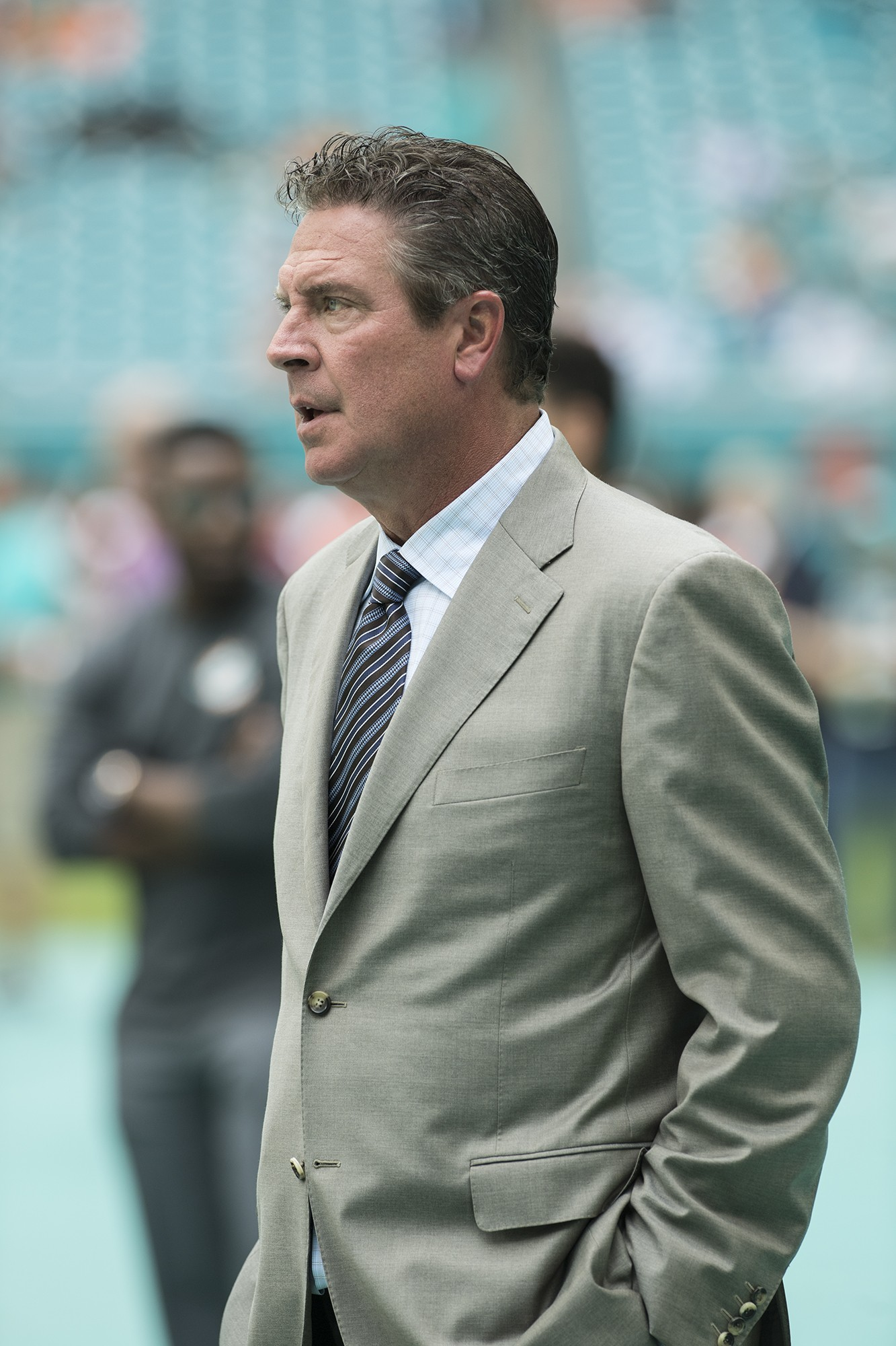 Former Dolphin great Dan Marino prior to the start of an NFL football game between the New York Jets on Sunday, Oct. 22, 2017, in Miami Gardens, Fla. (Donald Edgar/El Latino Digital)