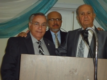 Carlos Gonzalez Orador Invitado, Gabriel Taborda, Maestro de Ceremonia y Ernesto Priede, Presidente de ProCuba