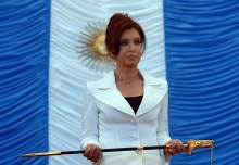 Cristina_Fernandez_Comandante_en_Jefe[1]