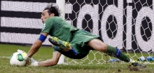 buffon penalti