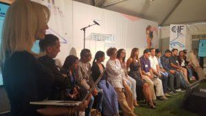 Todos los invitados de Cuba a la Conferencia Cuba Internet Freedom en el escenario tomando preguntas del público asistente.